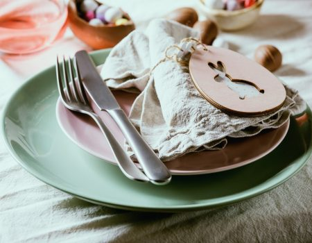 presentesparapascoa 450x350 - Além do ovo de chocolate: dicas de doces para páscoa para surpreender e encantar