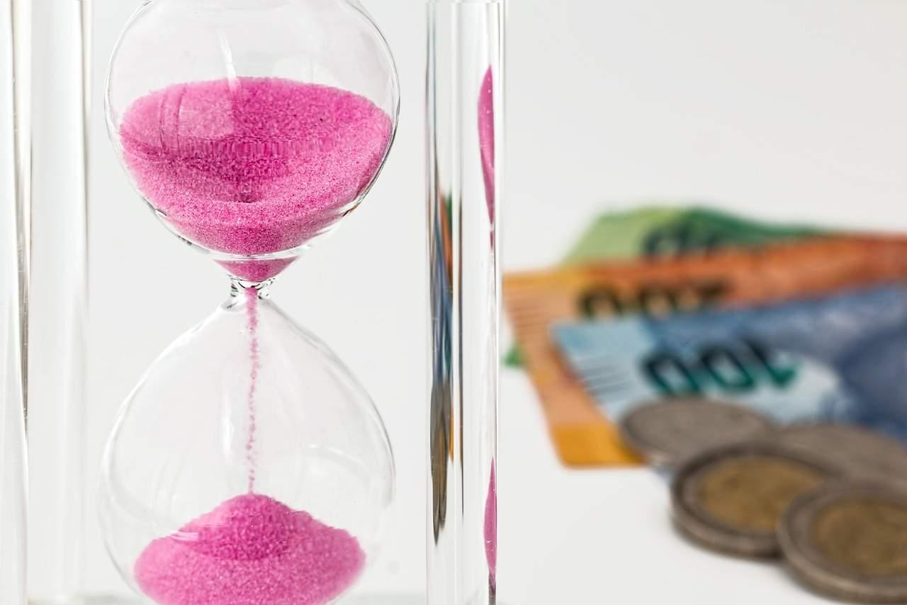 contas em dia - Como melhor economizar e aplicar o dinheiro/salário