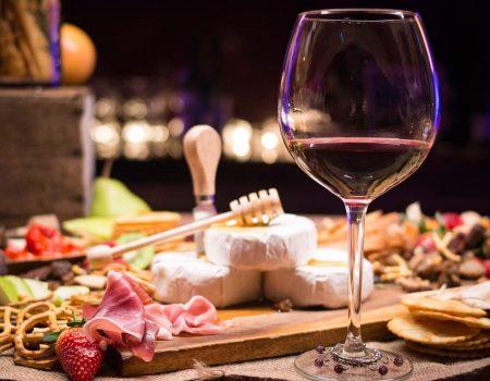 harmonizar vinho tinto 1 450x350 - Guia definitivo: aprenda agora como harmonizar vinho e comidas de inverno!