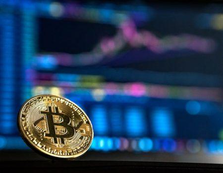 bit1 1 450x350 - Qual o futuro do dinheiro com as criptomoedas?