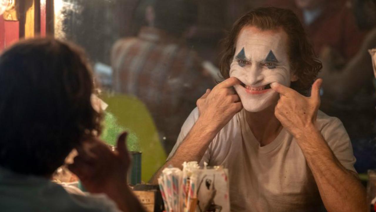 Novo Coringa, Arthur Fleck com maquiagem