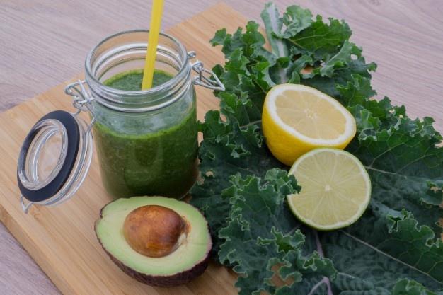 abacate 1 - Alimentação influencia a qualidade do sono? Mitos e verdades