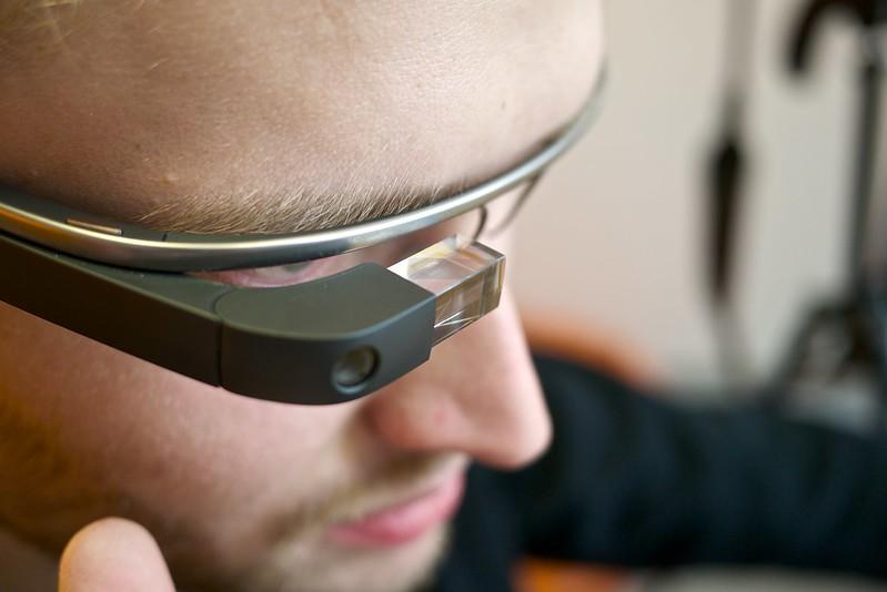 gadgetsessenciaisgoogleglass 1 - Gadgets essenciais que facilitarão sua vida