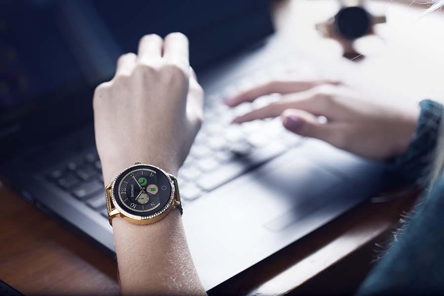 alerta sedentarismo - Smartwatch em casa: como ele pode dar um up na sua rotina