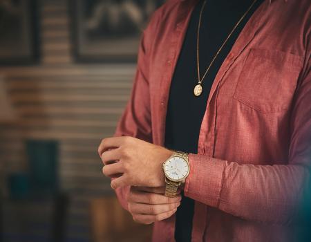 Será que o seu relógio combina com sua roupa