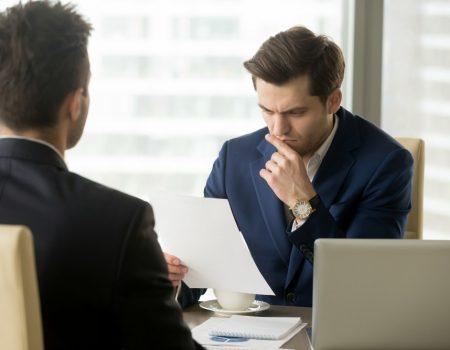 8passosparaconvencerqualquerrecrutadorduranteumaentrevistadeemprego 450x350 - 8 passos para convencer qualquer recrutador durante uma entrevista de emprego