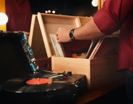 guiadovinilcapa 1 450x350 - Guia do vinil: como manusear e conservar seus discos e vitrola