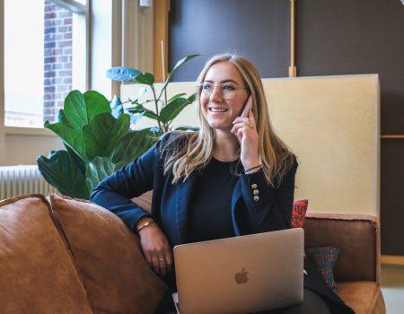 Network na pandemia: como fazer - Mulher em ligação