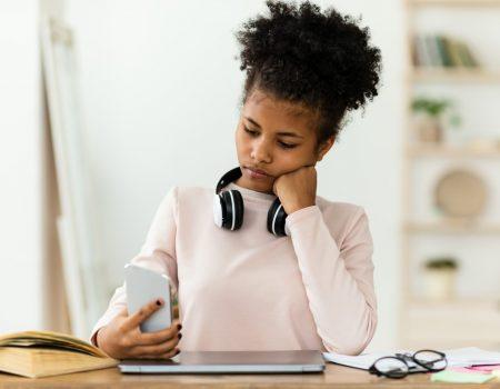 Comoparardeprocrastinar 450x350 - Como parar de procrastinar: veja esses 5 passos fáceis